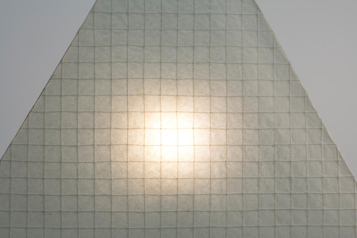 http://a1043.com/wp-content/uploads/Ingo-Maurer-Galgen-Triangle-BD_004.jpg